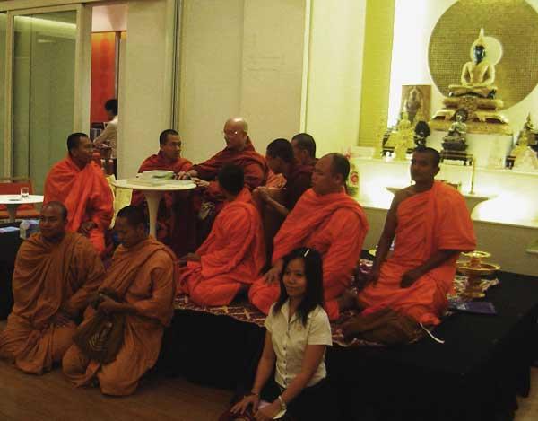 Sayadaw U Jotika - English Talk (2/6)